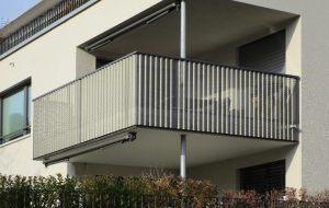 Balkongelaender_gelochte-Aluminium-Wellbleche_04